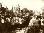 Николай II лично нес раку с мощами Серафима Саровского в день его канонизации