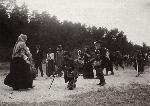 Паломники на пути к святым местам. Саров, 1903