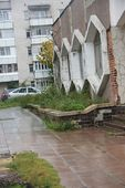 Обсыпаются не только новенькие фасады домов на пр.Ленина, но и старые на ул.Юности